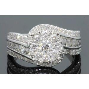 Gorgeous 1.70 carat 14k white gold diamond ring